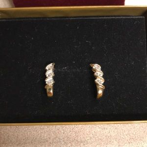 Jewelry - 10kt Gold Earrings